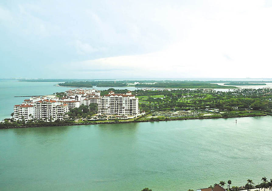 Pricy Fisher Island land goes for sewerage